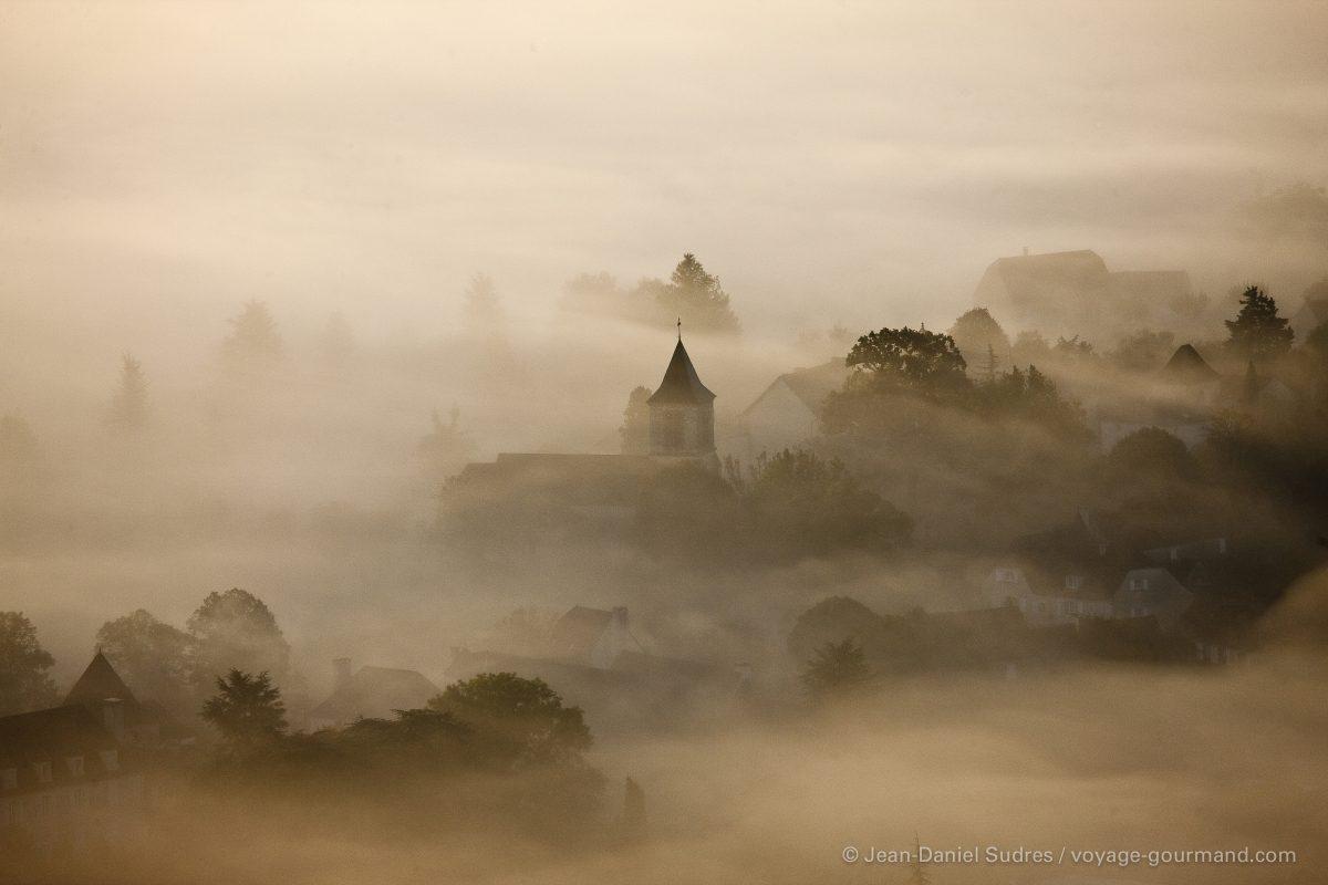 Brumes matinale sur le Causse de Gramat ,  Quercy / Morning mist on the Causse de Gramat, Quercy