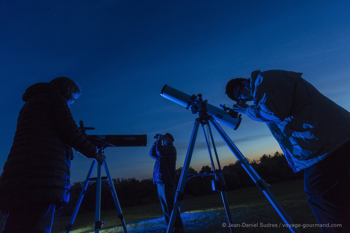 Astronomes, Sark