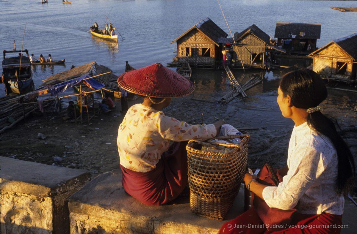 Port du village portuaire de Mandalay